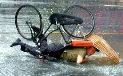 Pics_Falling_From_Bicycle_2.jpg