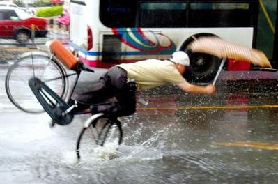 Pics_Falling_From_Bicycle.jpg