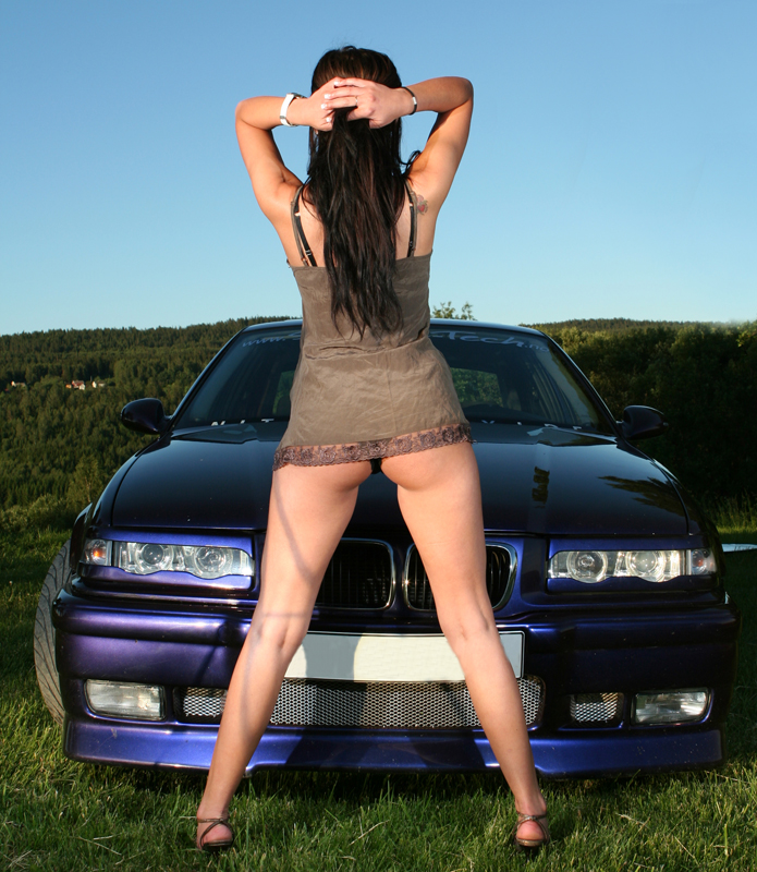 Natasha_and_BMW_325_e36_VIII_by_mmppeettee.jpg