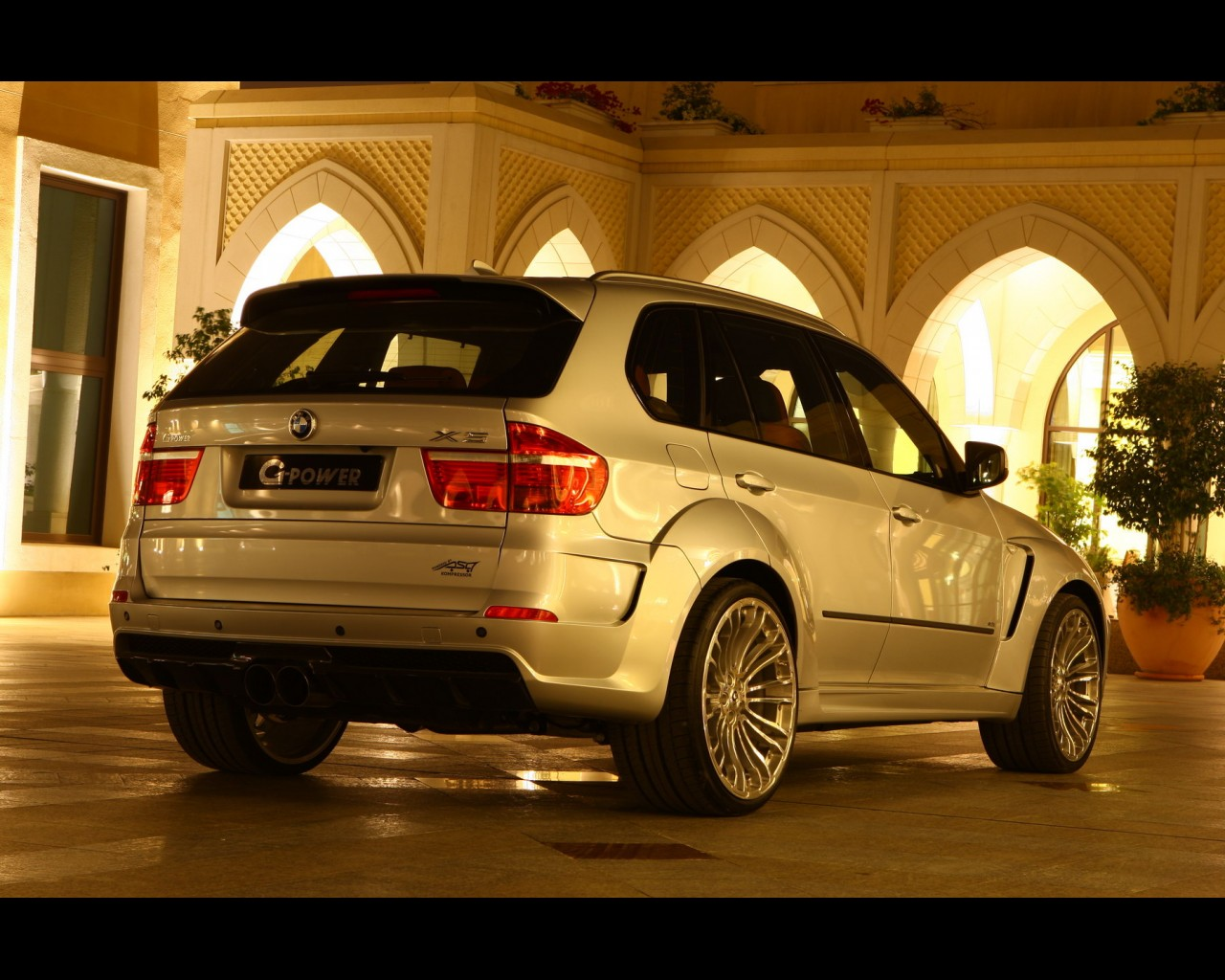 g-power-typhoon-based-on-bmw-x5-16.jpg