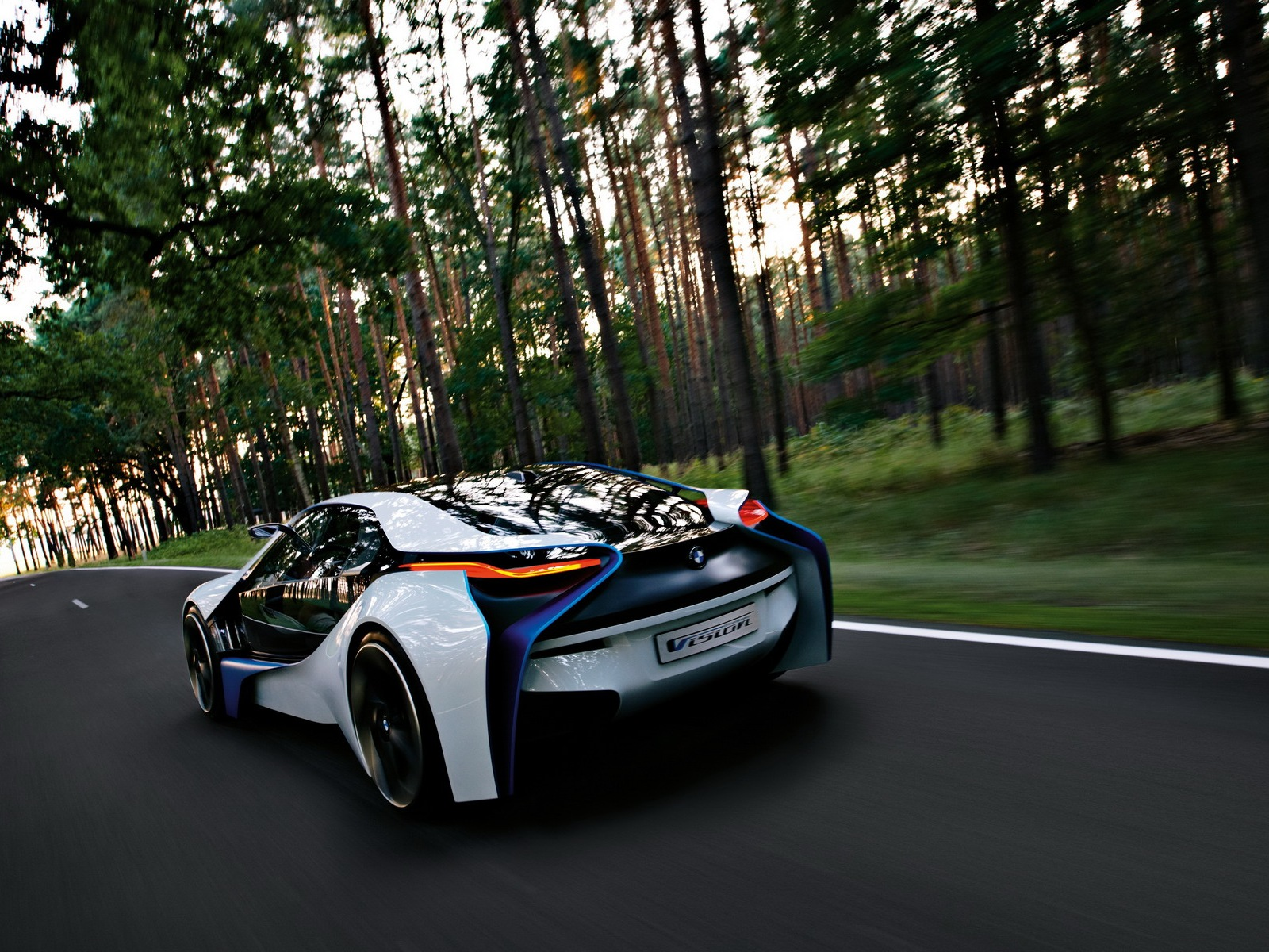 bmw-vision-efficientdynamics-30.jpg